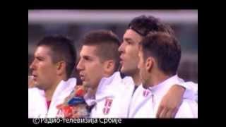 Iako je zvanični spiker na stadionu apelovao na fer-plej navijača, himna Hrvatske gotovo da se nije čula od zvižduka navijača. Trenutak kasnije, stadion je ...