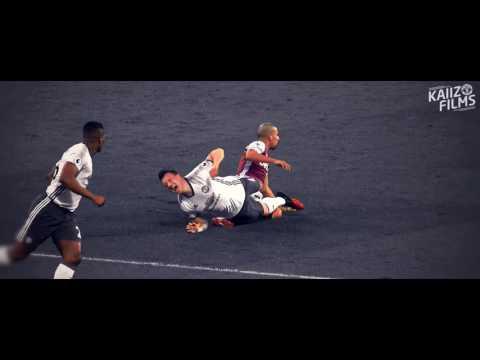 Xem các hậu vệ M U tắc bóng |HD| - Thời lượng: 2 phút, 53 giây.