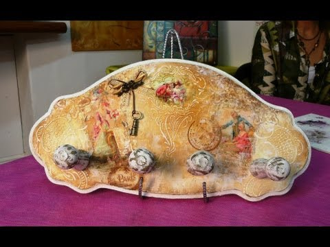 come decorare un attaccapanni in decoupage