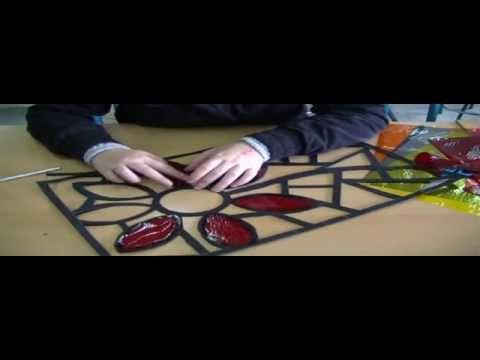 Como hacer una vidriera en cartulina