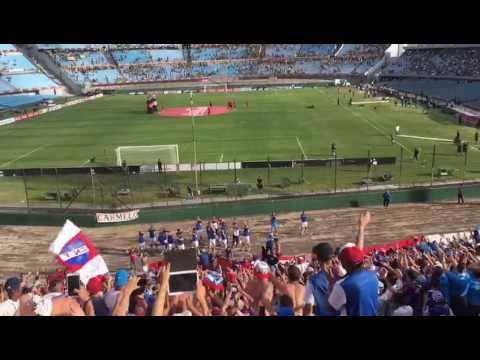 Clasico suspendido,  jugadores salen a saludar a la hinchada. - La Banda del Parque - Nacional - Uruguay - América del Sur