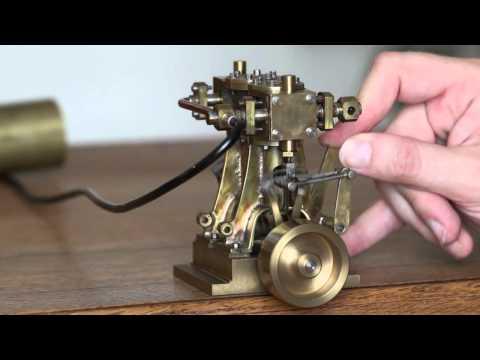 moteur vapeur - Moteur à vapeur bicylindre double effet. 2-cylinder double acting steam engine.