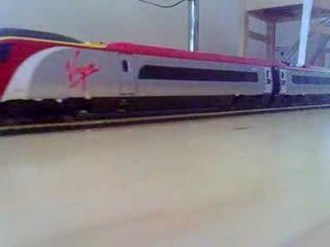 Bachmann Freighliner and Hornby Virgin Trains Pendolino