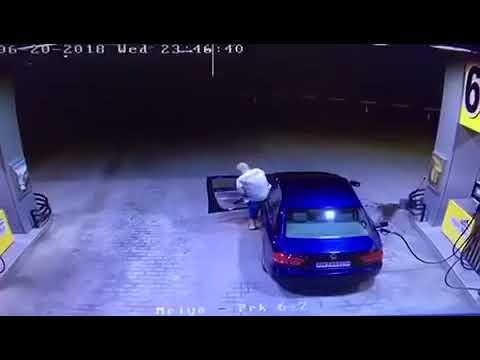 водитель забыл вынуть заправочный пистолет и взорвал АЗС