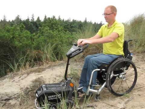 Swiss-Trac Kørestolstraktor sammenkobling med kørestol 02