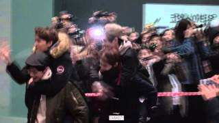 151220 Walked out from the COEX LEE TAEYONG focus Do not cut my video to make GIF plz 请勿截取我的视频制作gif动画.