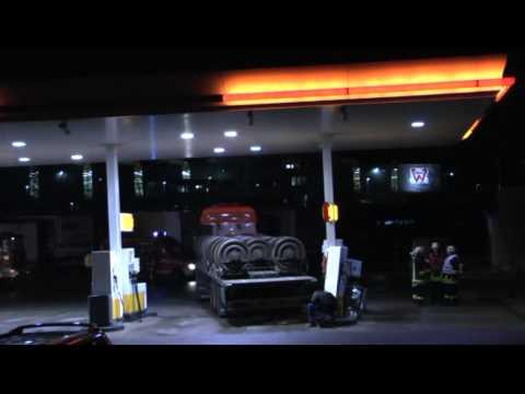 Diemelstadt: Lkw fährt Gas-Zapfsäule um