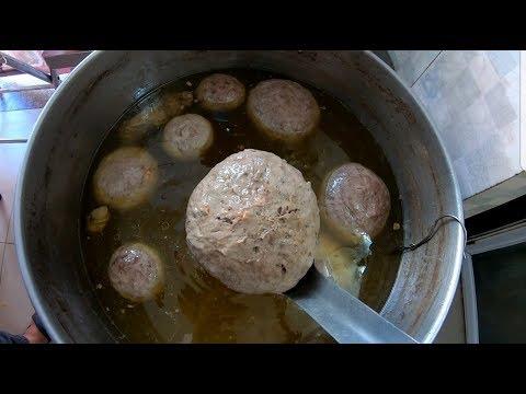 Cục bò viên to như cái đầu em bé ở quán ăn lạ nhất Sài Gòn - Thời lượng: 12 phút.