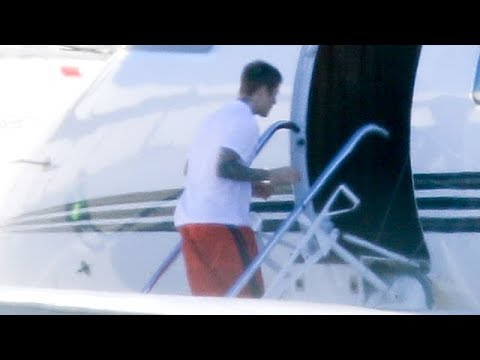 Justin Bieber Jets Out Of Town After Another Fight With Hailey About Selena Gomez