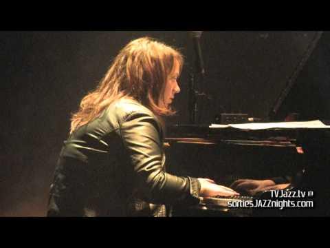 Julie Lamontagne Elyzabeth Diaga Tiempos Locos - TVJazz.tv