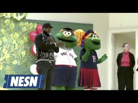 David Ortiz, Red Sox Dish Out Over 46,000 Hats To Boston Schools