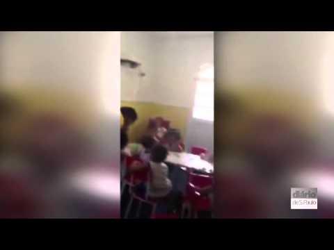 Video Pai flagra filho de 4 anos amarrado em creche no RJ download in MP3, 3GP, MP4, WEBM, AVI, FLV January 2017