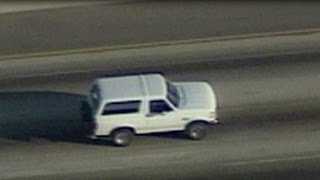Video World watches as police chase O.J. Simpson MP3, 3GP, MP4, WEBM, AVI, FLV September 2018