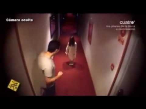 若你在酒店走廊看到恐怖小女孩…好可怕阿!!!