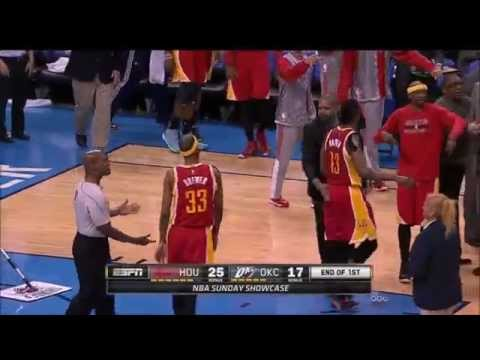 Josh Smith's behind-the-back flip pass to Corey Brewer