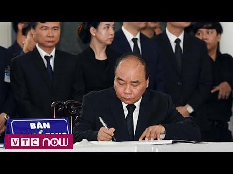 Những dòng lưu bút trong sổ tang Chủ tịch nước Trần Đại Quang  | VTC1 - Thời lượng: 3 phút, 19 giây.