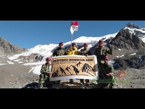 DI PUNCAK GUNUNG ACONCAGUA ARGENTINA, Marinir & Sabar Gorky Kibarkan bendera Merah Putih