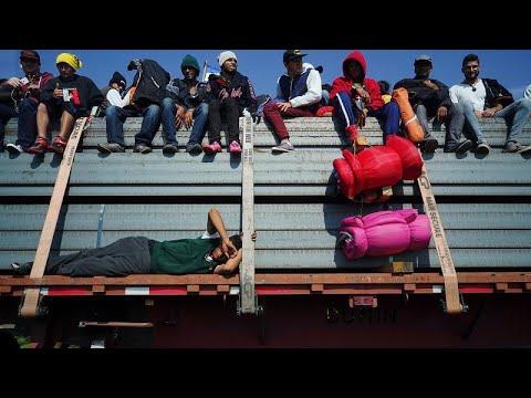 Κυνηγώντας το αμερικανικό όνειρο: Συνεχίζει το καραβάνι προσφύγων προς τις ΗΠΑ…