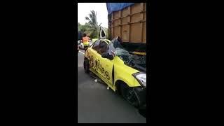 Video Mobil Datsun GO..Nabrak Truk Sampai Ringsek Habis ( Tangerang ) MP3, 3GP, MP4, WEBM, AVI, FLV Juli 2017