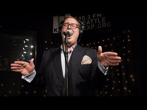 St. Paul - http://KEXP.ORG presents St. Paul & The Broken Bones performing live in the KEXP studio. Recorded April 19, 2014. Songs: Like a Mighty River It's Midnight Ca...
