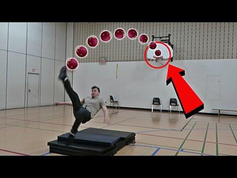 IMPOSSIBLE SOCCER BASKETBALL TRICKSHOTS CHALLENGE!! (видео)