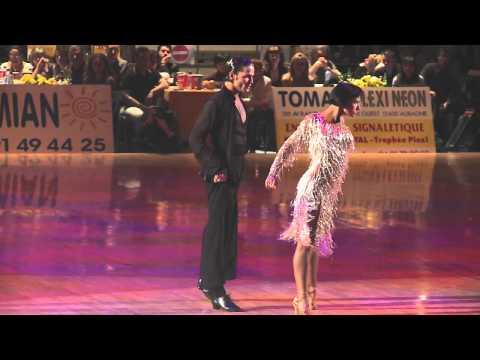 2011 IDSF European Latin Final: Cha Cha в исполнении Итальянской пары Aniello Langella and Kyrtyna Moshenka.