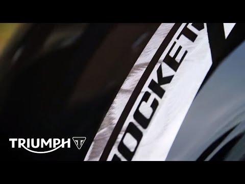 Vídeos de 'EICMA 2014: Nuevas Triumph Rocket X  y Thunderbird Nightstorm'