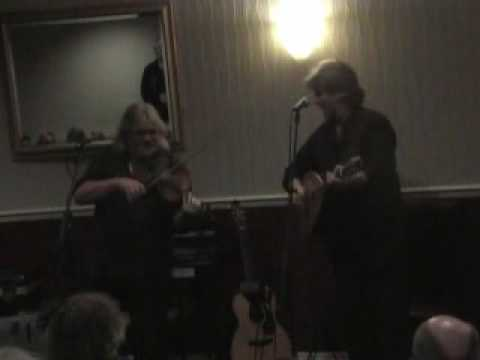Tom Palmer & Phil Beer performing