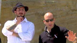 Video Tirata di Coltello - alla maniera italiana MP3, 3GP, MP4, WEBM, AVI, FLV Juli 2018