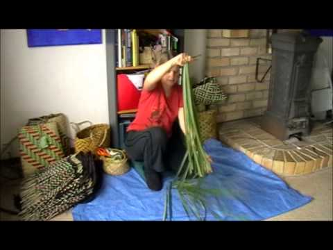 How to prepare harakeke (NZ Flax/Phormium) part 2