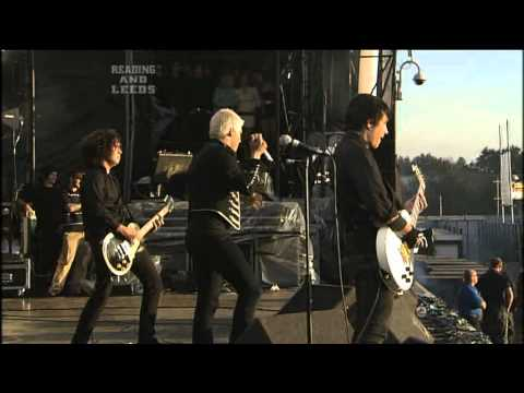 MCR - 2006.08.27 - Reading Festival, England. Setlist: [00:00]. Cemetery Drive [03:34]. Dead [07:10]. It's Not A Fashion Statement, It's A Deathwish [11:10]. Thank...