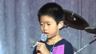 05 Ban Ket_Hoang Christian_Tran Michael_Juliana Le