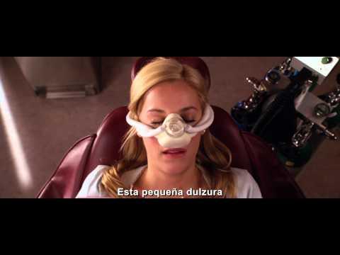 "QUIERO MATAR A MI JEFE clip ""La ninfómana"" subtitulado HD - oficial WB Pictures"