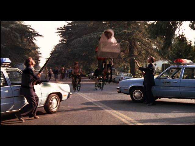 Anteprima Immagine Trailer E.T. L'extra-terrestre, trailer italiano