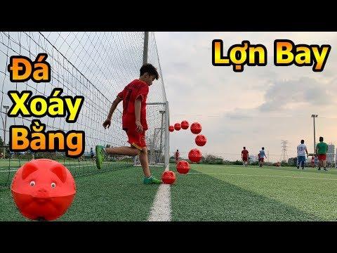 Thử Thách Bóng Đá Quang Hải Nhí trổ tài sút xoáy ghi bàn từ góc như Ronaldo bằng heo đất tết 2019 - Thời lượng: 10 phút.
