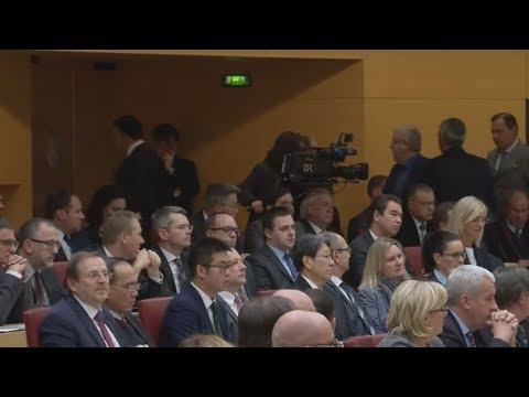 Bayerischer Landtag: AfD-Abgeordnete verlassen aus Prot ...