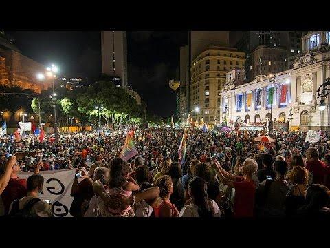 Μαζικές αντικυβερνητικές διαδηλώσεις κατά των μεταρρυθμίσεων Τέμερ