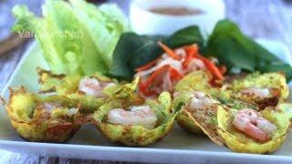 Bánh khọt (Vietnamese mini pancakes)