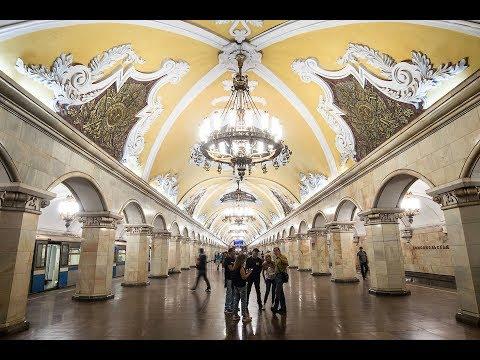 Prächtige U-Bahnhöfe in Moskau lassen staunen: »Kunst geh ...