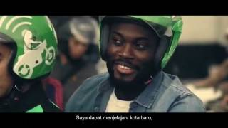 Former Ghana and Chelsea star Michael Essien has appeared in a money transfer advert in Indonesia. The Gojek advert shows ...