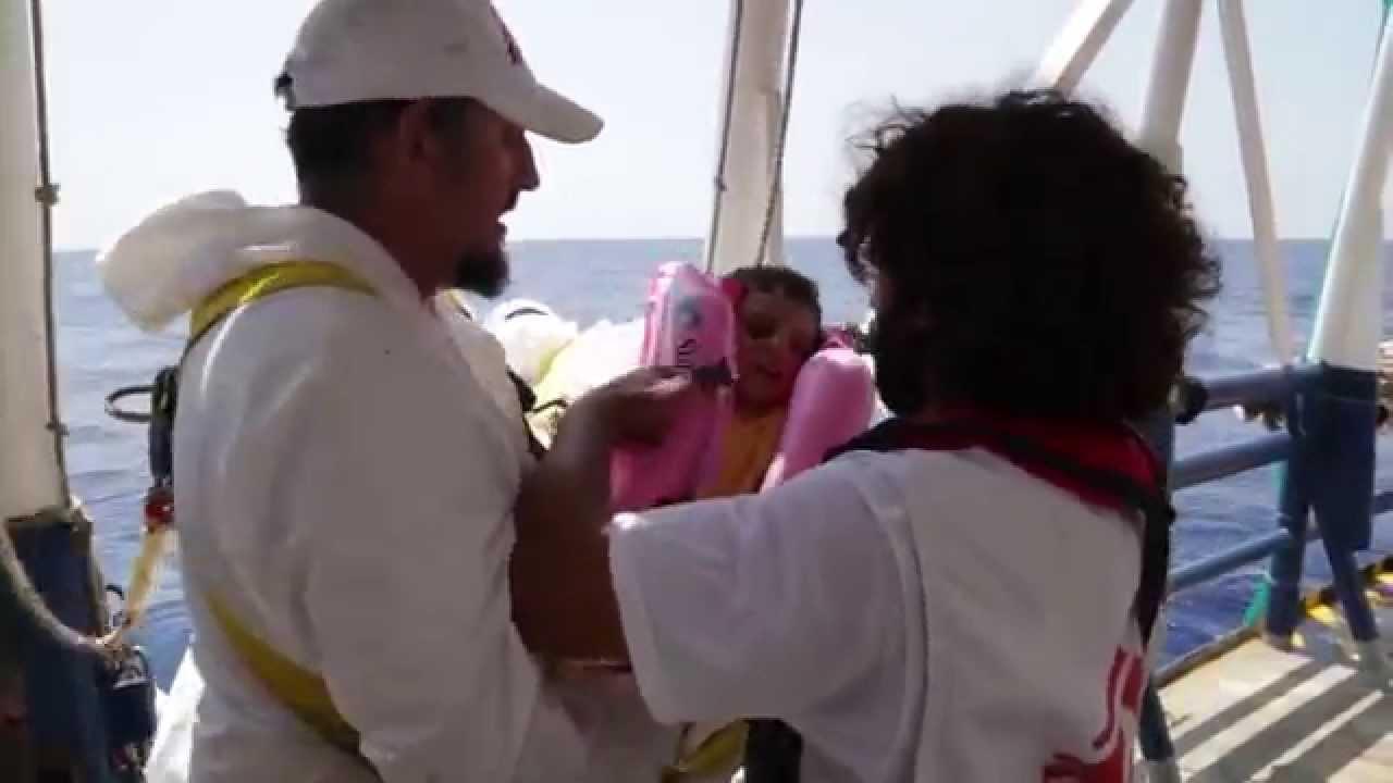 Πλάνα από την επιχείρηση διάσωσης των Γιατρών Χωρίς Σύνορα κοντά στις ακτές της Λιβύης