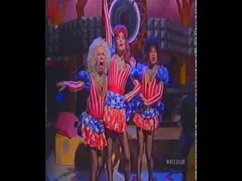 """le sorelle bandiera in """"fatti più in là""""! indimenticabili!"""