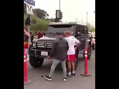 VIRAL: Justin Bieber le destroza celular a un joven argentino (VIDEO)