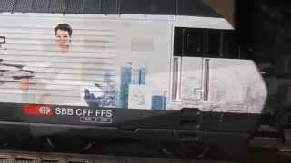 SBB Re 460 28 256-32 Roger Federer Foundation Immagini della locomotiva 1:1 e suo modellino in scala H0 1:87.