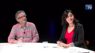 Felipe Pozo conversa con Marcela Sandoval, Cristián Pertuzé y René Jofré