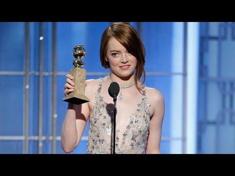 Emma Stone Gets Standing Ovation, Wins First Golden Globe Award At 2017 Golden Globes (видео)
