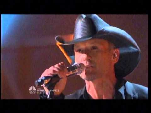 Tim McGraw Performs Lookin' For That Girl!