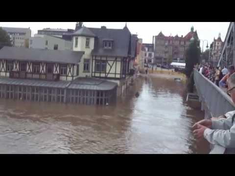 Malorny88 - Dresden 06.06.13 Hochwasser an der Elbebrücke