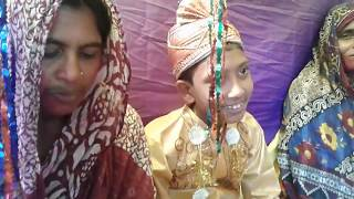 Download Video ৩৫বছরের মহিলার সাথে ১২ বছরের পিচ্চির বিয়ে  দেখুন ভিডিও সহ MP3 3GP MP4