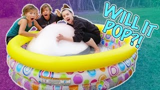 GIANT WUBBLE BUBBLE DRY ICE EXPERIMENT! + Gelli Baff SLIP N' SLIDE in the GRASS!